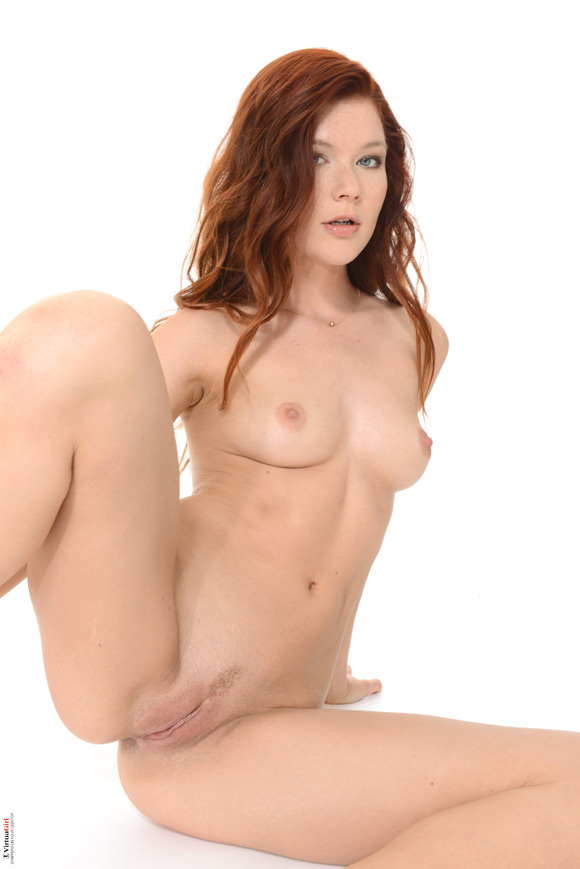 mia-sollis-in-heat-stroke-naked-virtuagirl